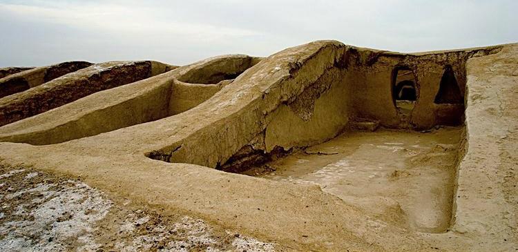 دهانه غلامان شهر مدفون شده در زیر خاکهای قلعه نو