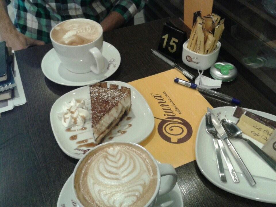 Cafe Viuna  (4).jpg