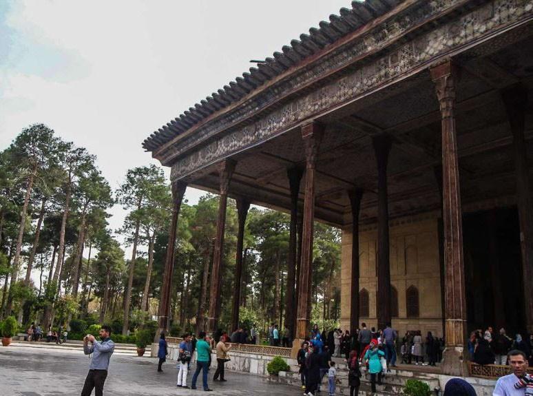 Chehel Sotoun Palace (6).jpg