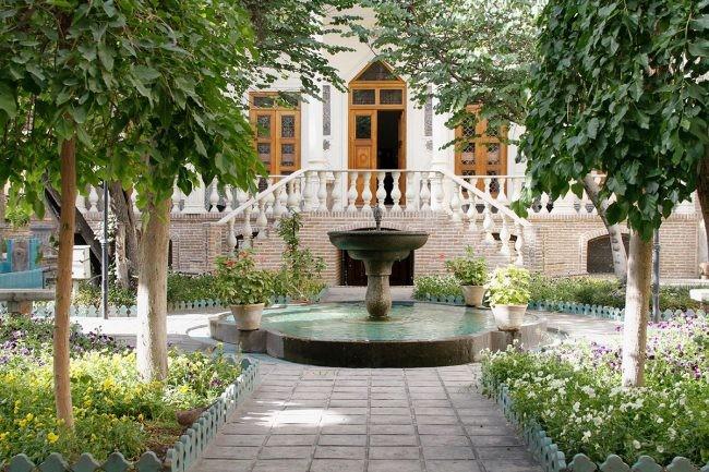 Moghadam Museum (8).jpg