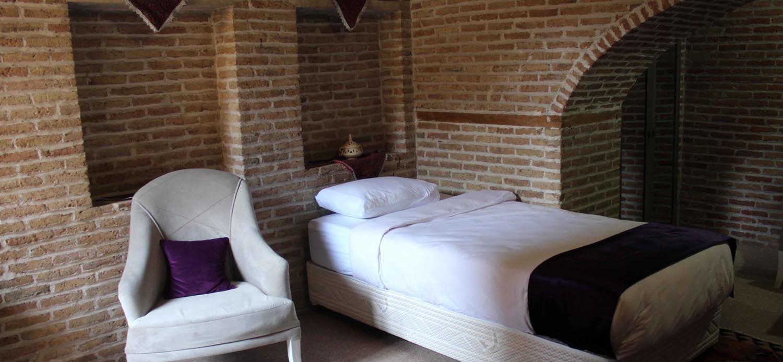 Behrouzi-Hotel-Slide-2 (1).jpg