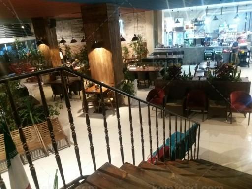 کافه رستوران نامبروان