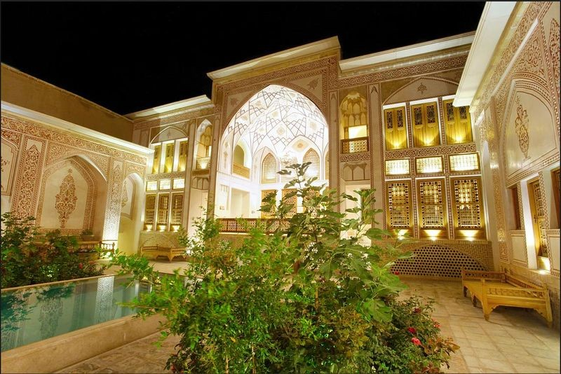 Mahinestan Raheb Hotel-10.jpg