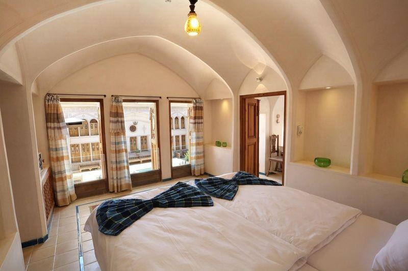 Mahinestan Raheb Hotel-02.jpg