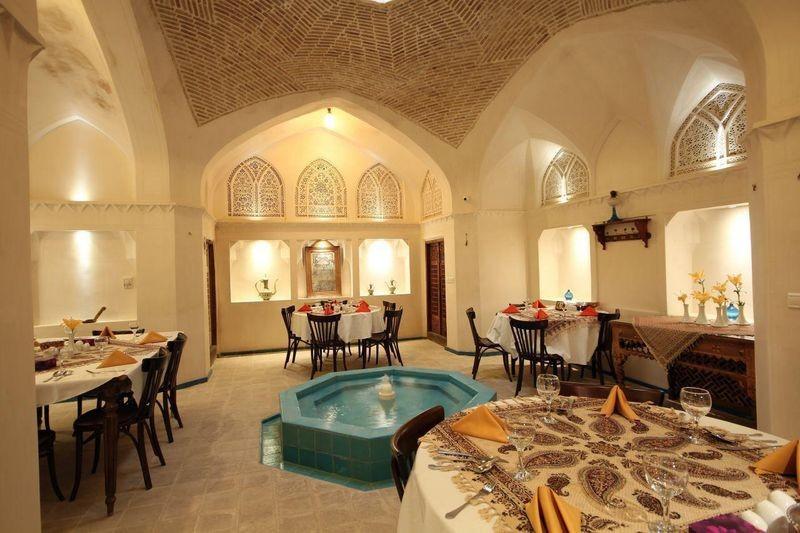 Mahinestan Raheb Hotel-04.jpg