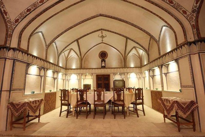 Mahinestan Raheb Hotel-05.jpg