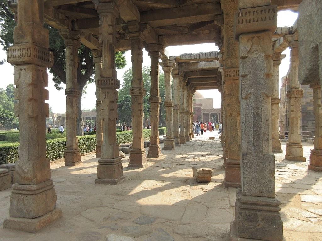 Qutub Minar (1).jpg