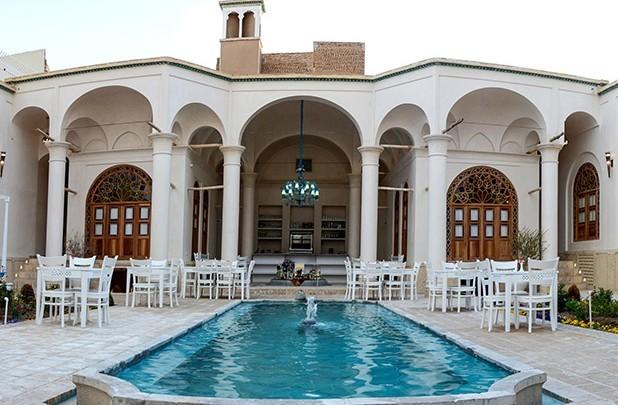 هتل آریانا اسپا (کاشان)