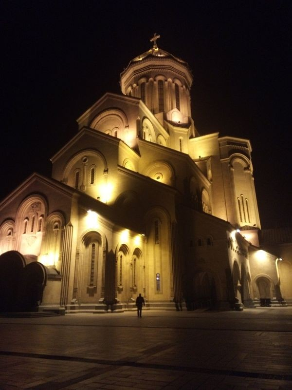 Tsminda Sameba Cathedral-02.jpg