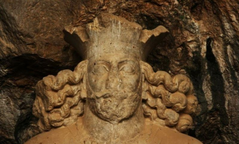 Shapur Cave And Statue