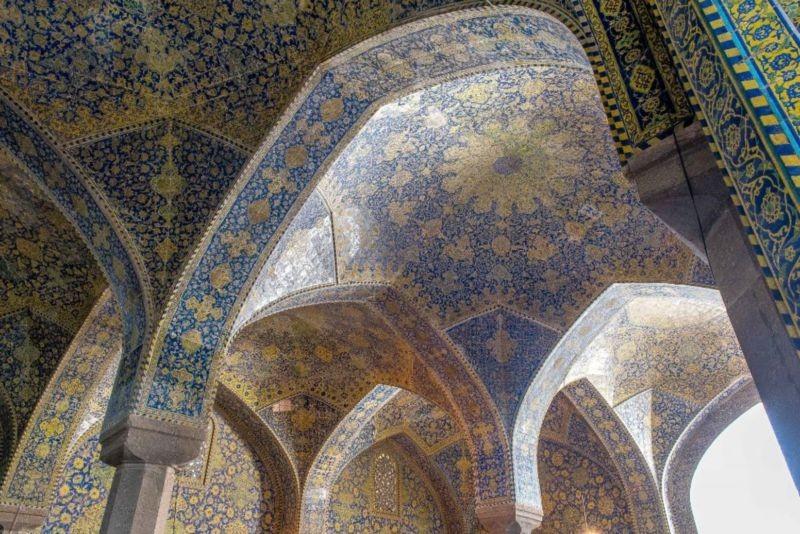 Shah Mosque (1).jpg
