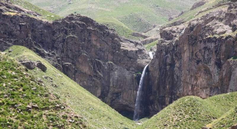 Khor Waterfall (1).jpg
