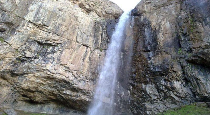 Khor Waterfall (2).jpg