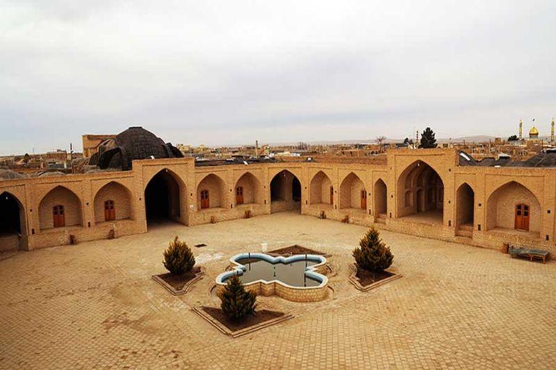 Abouzeid Abad Caravanserai (5).jpg