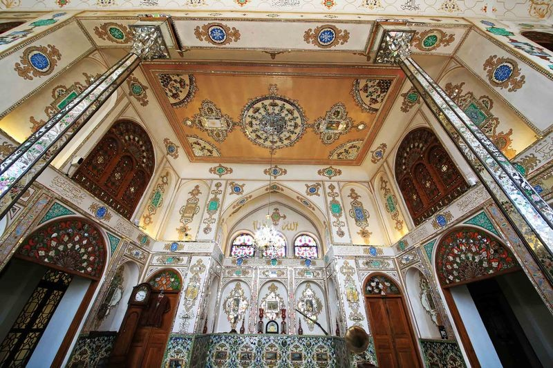 Moshir Almolk Historicl House-07.jpg