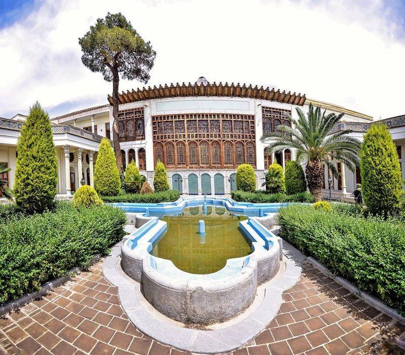 Moshir Almolk Historicl House-01.jpg