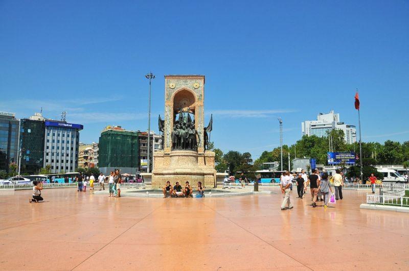 Taksim Square (2).jpg