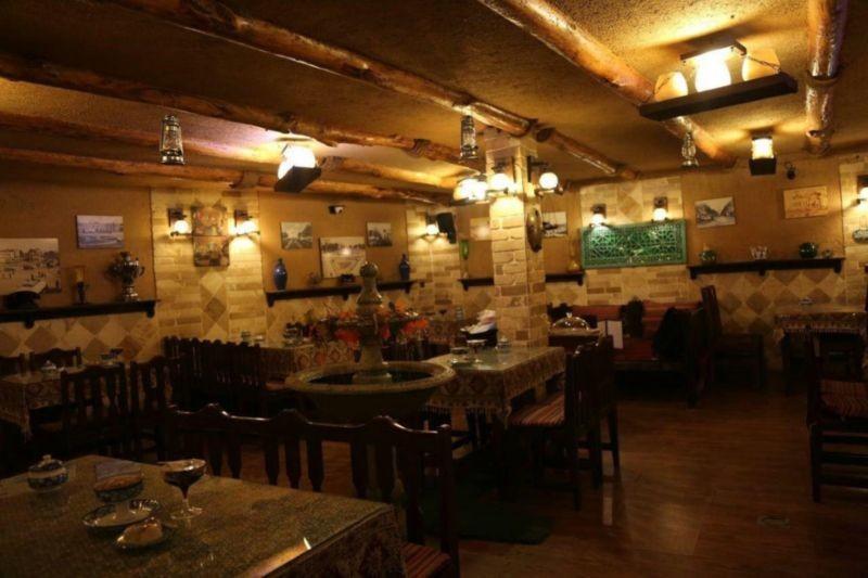 رستوران هفت خوان