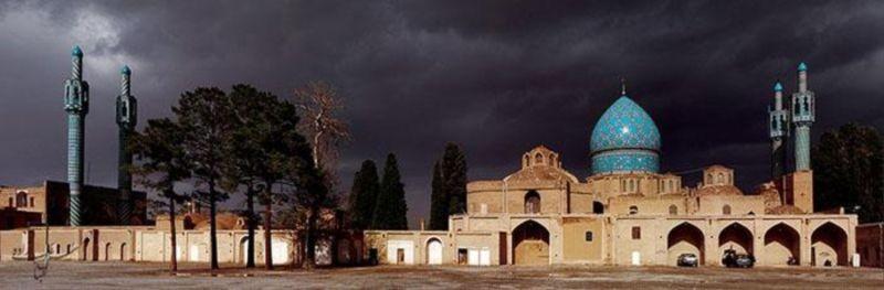 Aramgah-e Shah Nematollah Vali (1).jpg