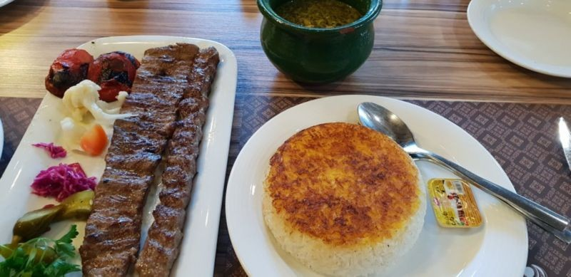 Farzin Restaurant (6).jpg