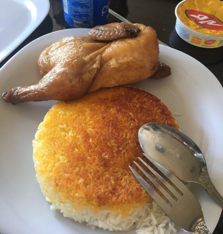 رستوران اکبر جوجه (بندر انزلی)