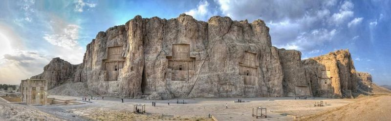 Naqsh-e-Rostam (3).jpg