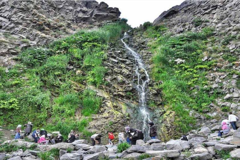 Sardabeh Waterfall (1).jpg