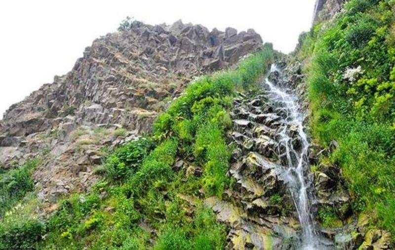 Sardabeh Waterfall (4).jpg