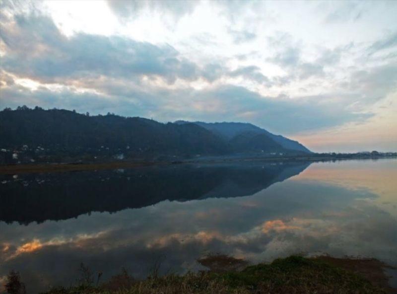 Komleh Lake