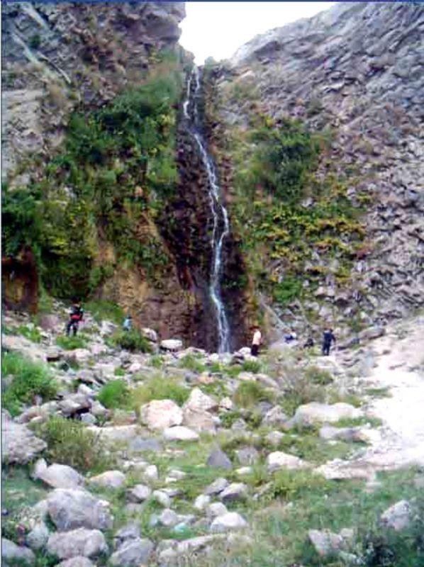 Sardabeh Waterfall (2).jpg