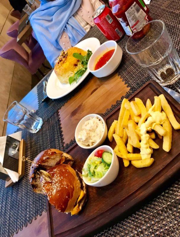 Dr Nikk Restaurant (14).jpg