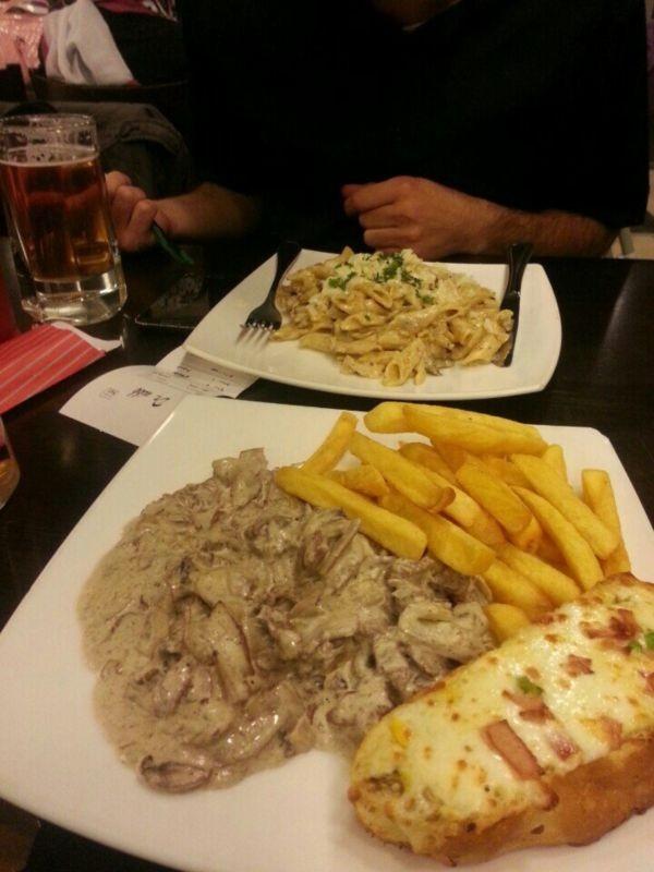 Dr Nikk Restaurant (10).jpg
