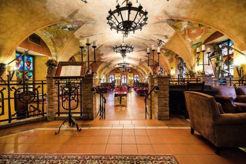 هتل کامپا-استارا زبروجننایس