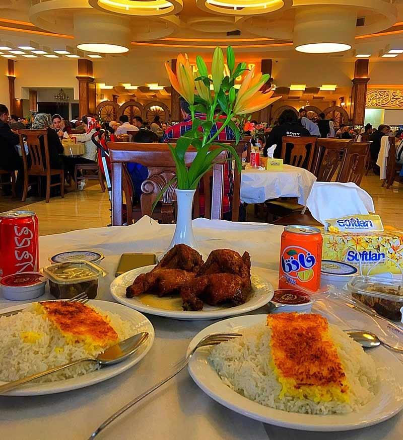 رستوران اکبر جوجه (شعبه اصلی ساری)