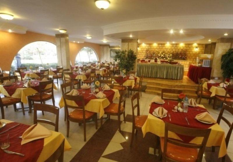 Hotel Azadi (4).jpg