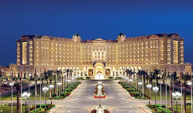 هتل لوکس ریتز کارلتون ریاض، زندان یا هتل؟