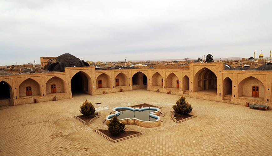 کاروانسرای عباسی ابوزیدآباد (ابروز)