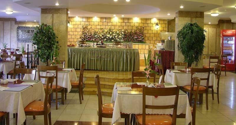 Hotel Azadi (6).jpg