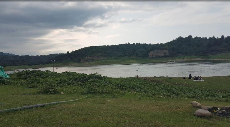 Shiyadeh Lake-03.jpg