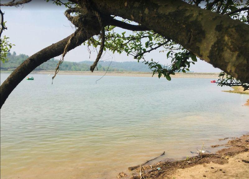 Shiyadeh Lake-02.jpg