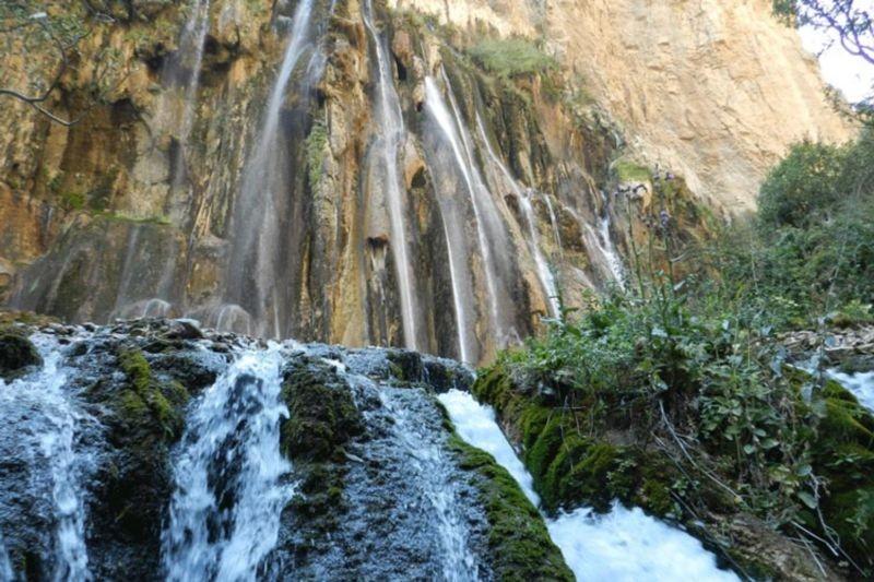 Margoon Waterfall (3).jpg