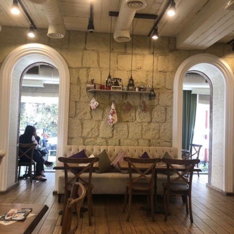 Louis Charden Cafe (2).jpg