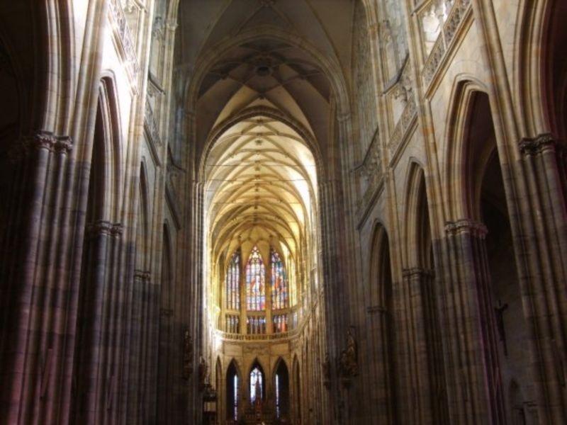 St. Vitus Cathedral (5).jpg