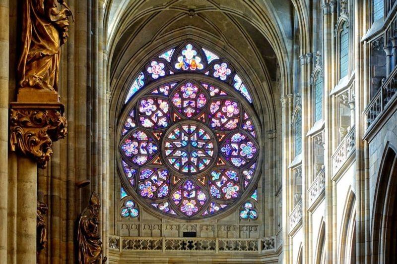 St. Vitus Cathedral (4).jpg