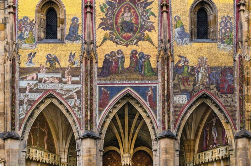 St. Vitus Cathedral (3).jpg