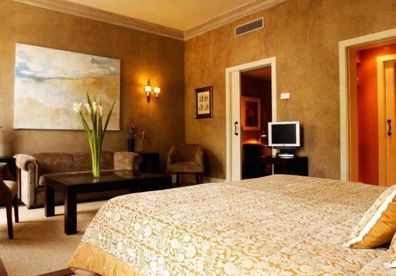 Azadegan Hotel (5).jpg