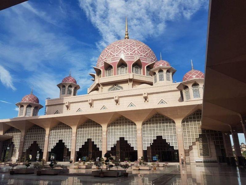 Masjid Tuanku Mizan Zainal Abidin (3).jpg
