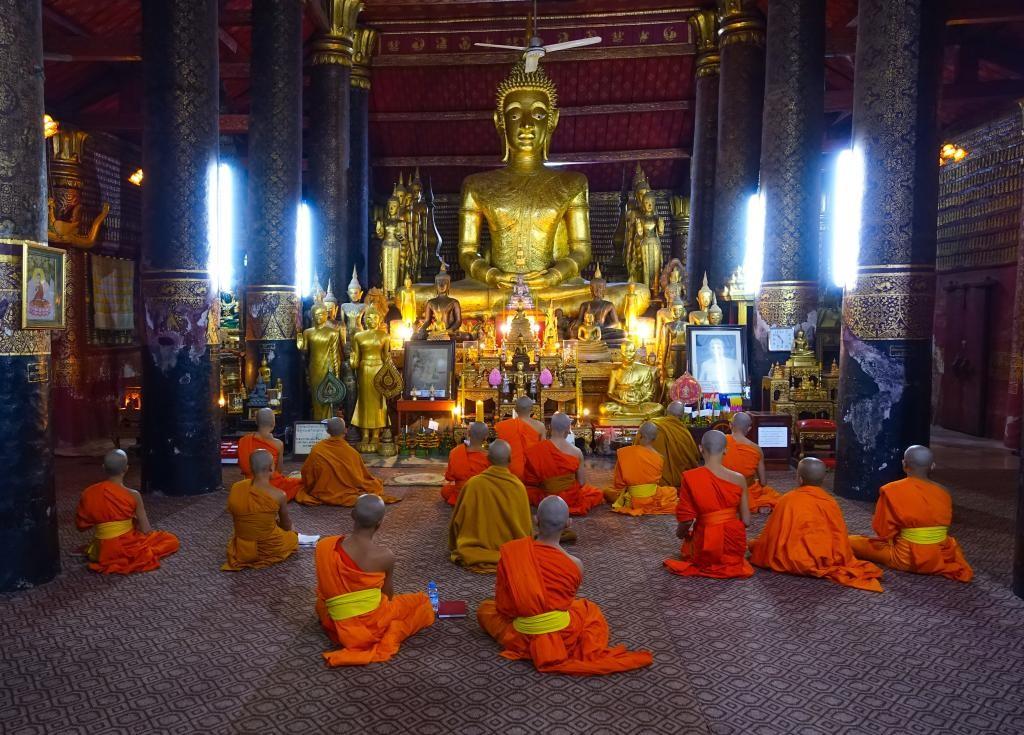 Wat Mai Suwannaphumaham Temple