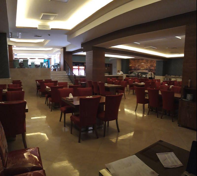 Tabriz Azadi Hotel-06.jpg
