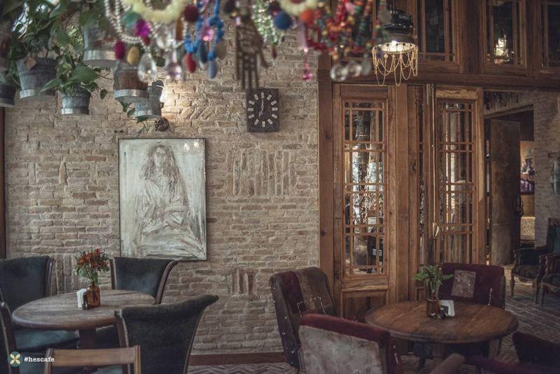 Hes Cafe Cafe (7).jpg